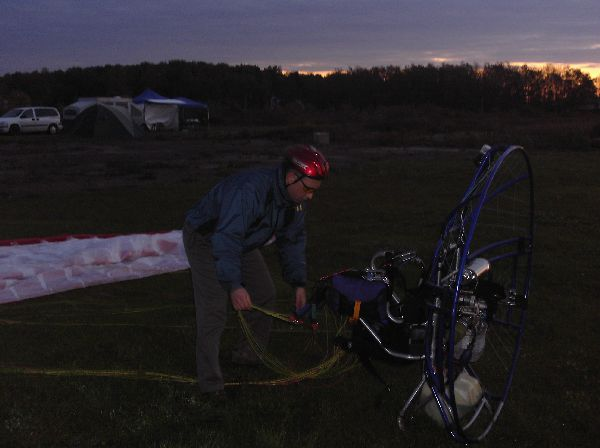 Matt getting ready to fly PPG - before sunrise