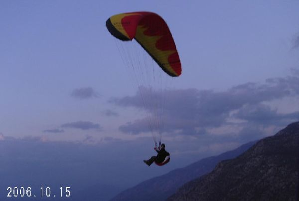 Arjun with his new paraglider - Oludeniz